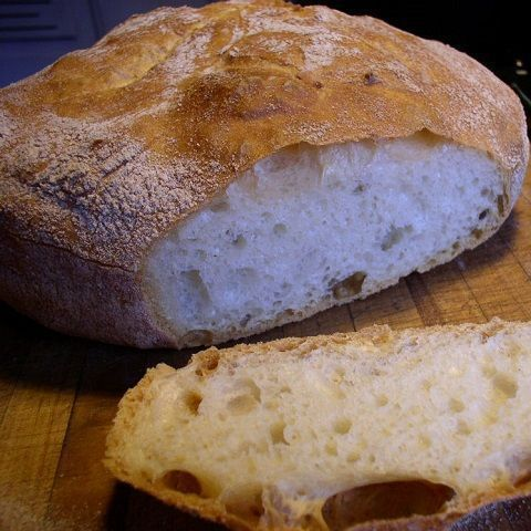 BREAD WITH OLIVE LATERZA