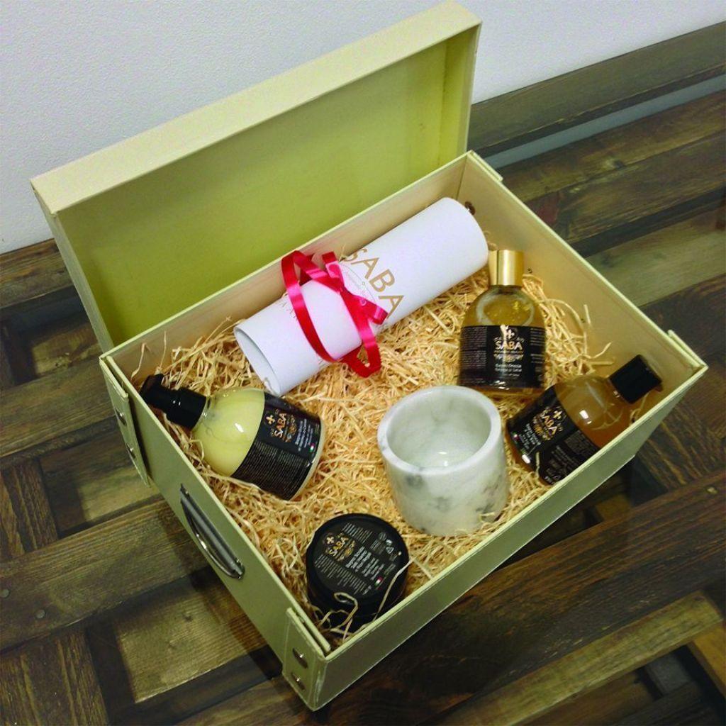 Scatola regalo con 4 prodotti porta sapone di design in for Prodotti di design